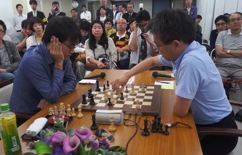 羽生善治と小島慎也のチェス対決